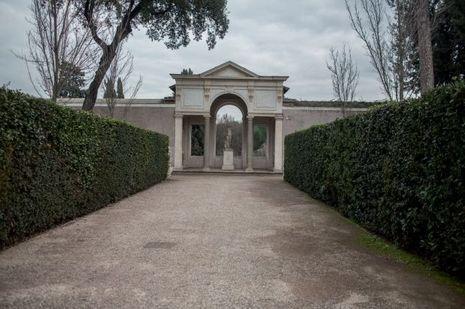 La Villa Médicis, le plus beau palais de Rome.
