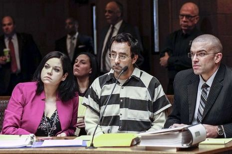 Le docteur Larry Nassar devant la justice, plaide non coupable.