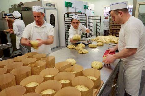 Les détenus travaillent en vrais boulangers-pâtissiers.