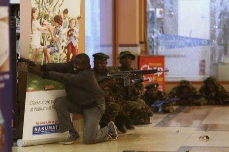 Les policiers tentent de déloger les miliciens depuis des heures.