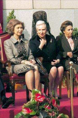 Les soeurs du roi, Margarita et Pilar, avec la reine Sofia.