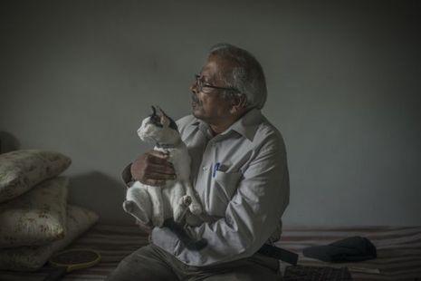 Albert Desjardin, 75 ans, et sa chatte Mimi.