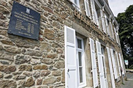 La maison de Brouassin, aujourd'hui bibliothèque municipale, garde la mémoire des frères Ruellan.