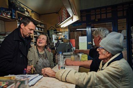 Marthe Loison tient le seul café de Fervaques.