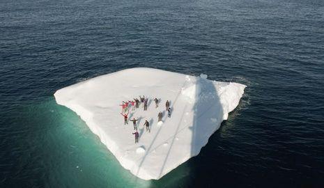 Mike Horn iceberg-