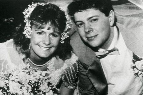 Pamela et son mari lors de leur mariage