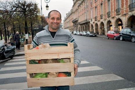 Patrick Boumard : Il n'a que 2 hectares de cultures maraîchères et livre ses produits dans Paris et sa région. Avec un énorme succès.