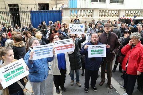 Les protecteurs des animaux étaient plus de 200 devant le tribunal de Marseille lundi.