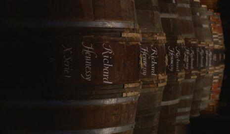 Rien n'a changé dans l'élaboration du cognac : une obsession conservatrice et des rituels immuables.