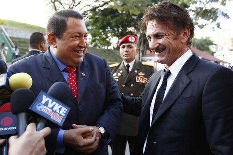 Hugo Chavez et Sean Penn à Caracas en février 2012.