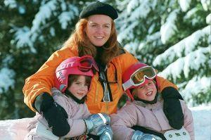Sarah Ferguson et ses filles les princesses Eugenie et Beatrice d'York à Verbier, le 16 février 1997