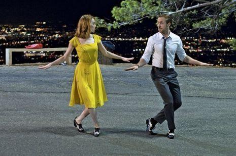 Avec Emma Stone, sa partenaire dans «La La Land», ils font revivre les couples mythiques des comédies musicales hollywoodiennes.