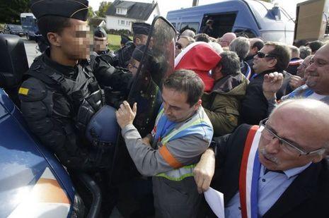 Des élus locaux avaient rejoint les manifestants, mercredi à Egletons.