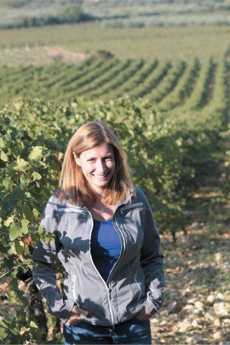 Sandrine Boesch, une oenologue dans les vignes.