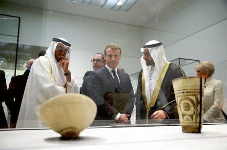 Avec MBZ (à gauche), Jean-Luc Martinez et Mohammed Khalifa Al-Moubarak à la tête de la culture et du tourisme à Abu Dhabi.