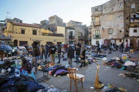 """Le """"marché aux voleurs"""", de Ballaro, où se dealent aussi bien l'héroïne que les contrats mis sur la tête des ennemis."""