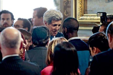 Le 16janvier, quelques jours après la prise d'otages, le secrétaire d'Etat américain John Kerry tient à le saluer en personne.
