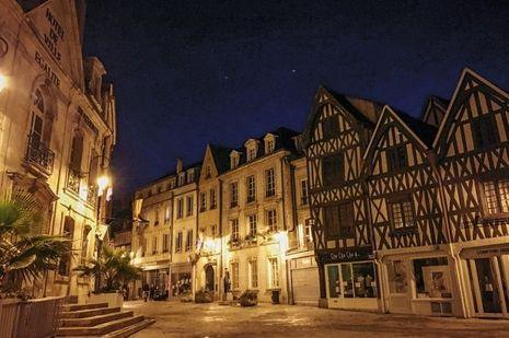 23h02, l'arrivée à Auxerre