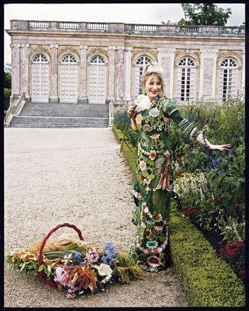 Julie Depardieu au château de Versailles.