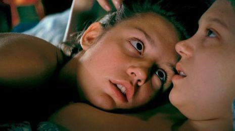 Dans «La vie d'Adèle», Adèle Exarchopoulos (à g.) se découvre aimantée par Léa Seydoux. Et on y croit.