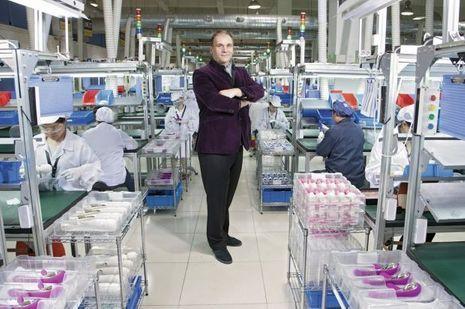 Grand amateur de plaisirs érotiques, le P-DG Filip Sedic, suédois d'origine serbe, s'impose sur un marché en demande de produits haut de gamme.
