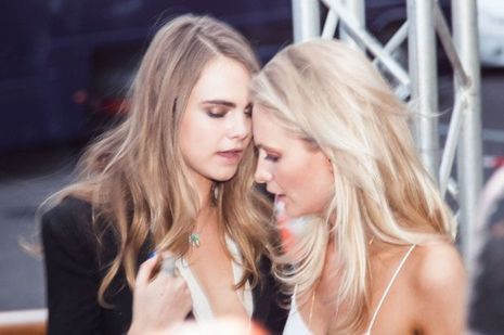 Poppy et Cara Delevingne