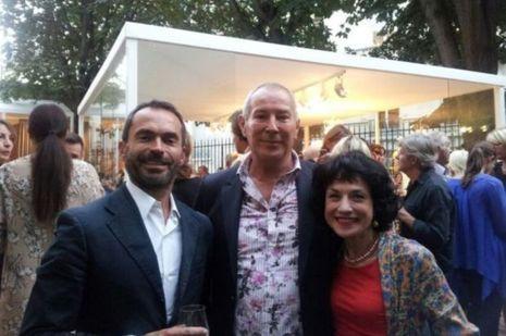 Catherine Schwaab avec le créateur de textiles d'ameublement Philippe David et l'architecte d'intérieur Régis Dho.
