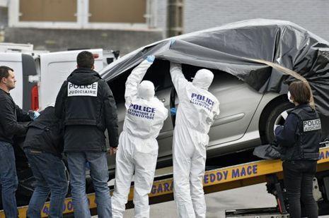 2 Mars. La police scientifique a fait «parler» la voiture de Sébastien Troadec retrouvée non loin du port de Saint-Nazaire.
