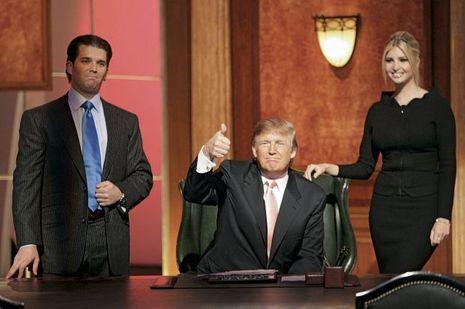 Donald Trump avec ses enfants Donald Jr. et Ivanka, lors de la saison6. Le président a quitté le show… mais il est toujours coproducteur du programme.