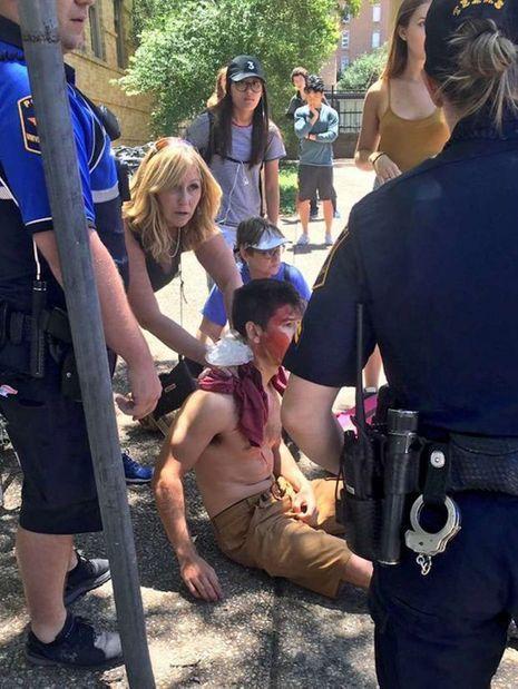 Un blessé est pris en charge après l'attaque.