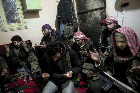 Une des dernières photos de l'Armée syrienne libre signée Rémi Ochlik.