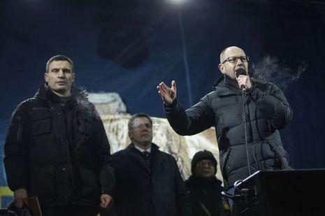 Vitali-Klitschko-Arseni-Iatseniouk