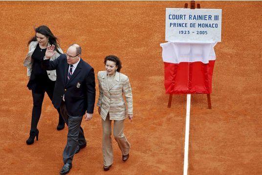 Albert rend hommage à son père le prince Rainier