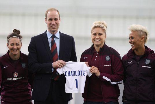 Un mini-maillot de foot pour Charlotte