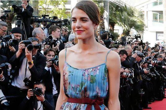 Charlotte magnifie Gucci à Cannes