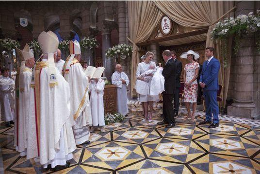 Jacques et Gabriella: baptêmes à la cathédrale