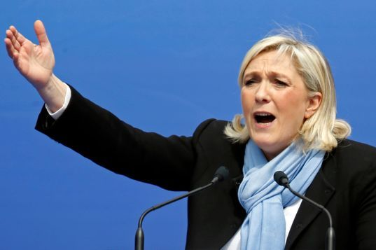 Accident de piscine pour Marine Le Pen