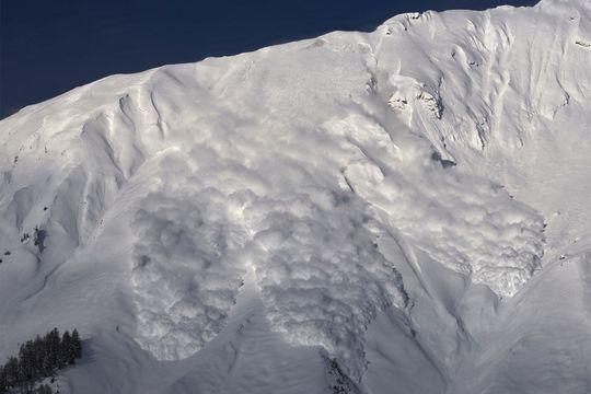 Un randonneur périt dans une avalanche