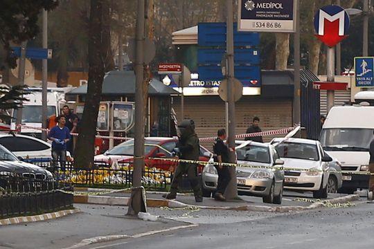 Le QG de la police d'Istanbul attaqué