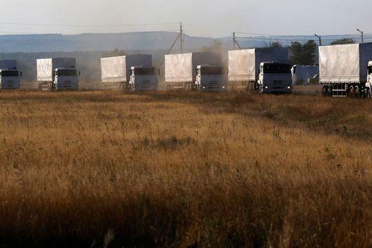 Le convoi russe franchit la frontière ukrainienne