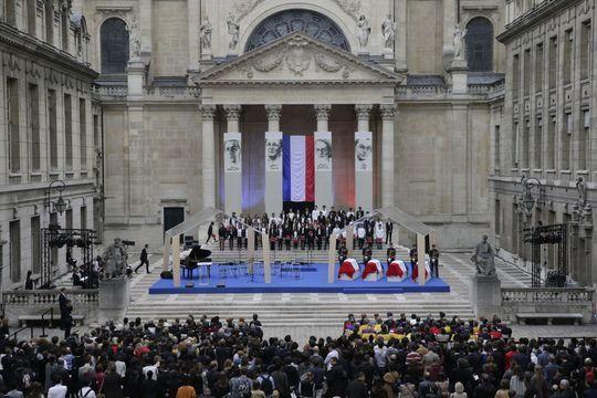 Avant le Panthéon, un hommage à la Sorbonne