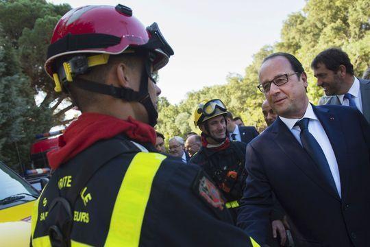 Incendies : 10 000 personnes évacuées