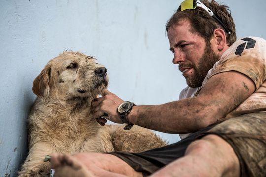 Mikael et son chien Arthur, l'amitié au bout du monde