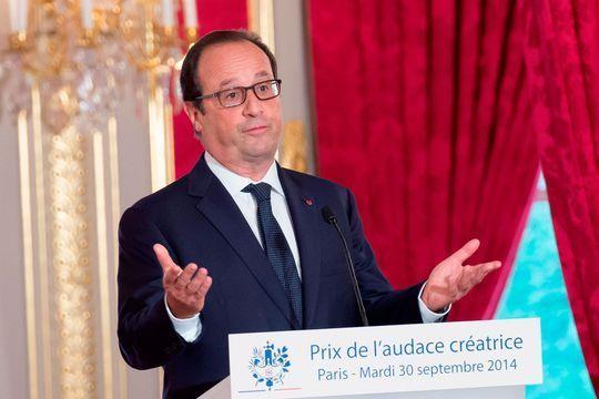 """Hollande justifie des économies """"douloureuses"""""""