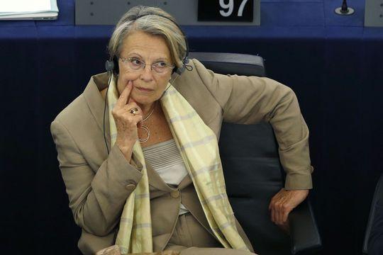 Michèle Alliot-Marie monte au créneau