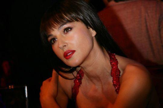 Monica Bellucci, bellissima pour Match