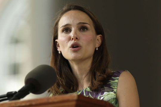 Natalie Portman bouleverse Harvard