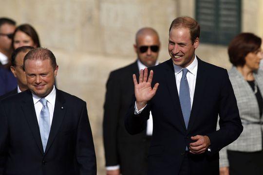 A Malte, William remplace Kate avec le sourire