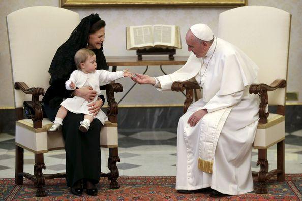 Leonore attendrit le pape François
