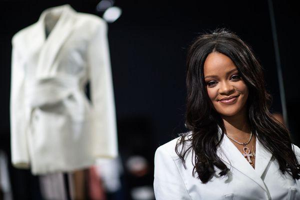 7c774a42836615 Rihanna - Paris Match